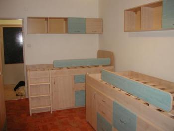 Dětský pokoj č.4 - vyvýšená postel - STUDENTSKÝ POKOJ